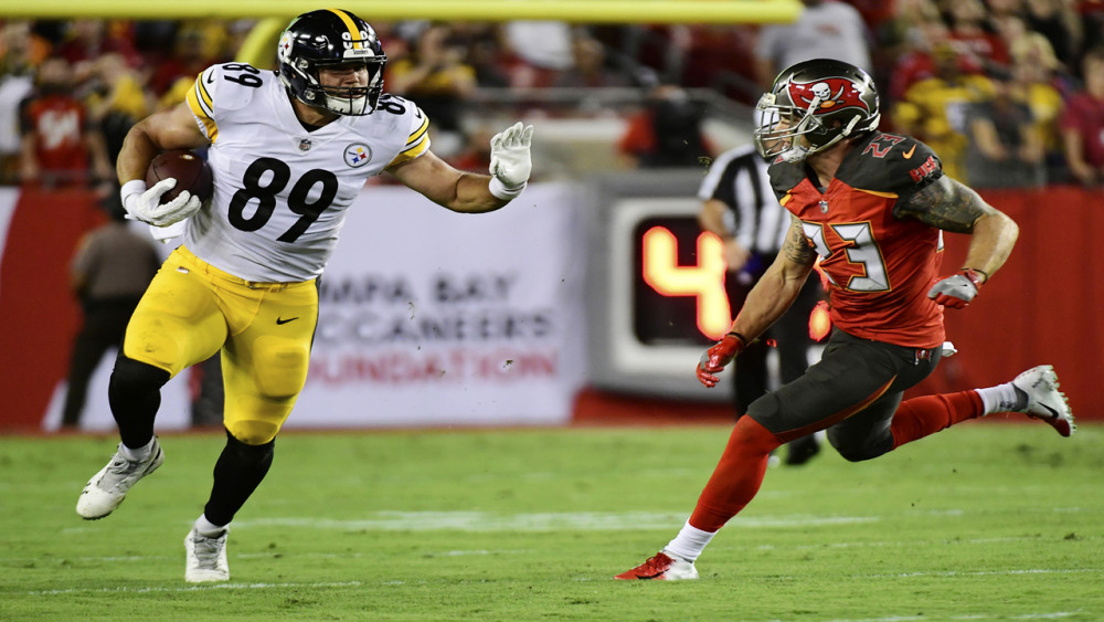 Tampa Bay Buccaneers place safety Chris Conte on injured